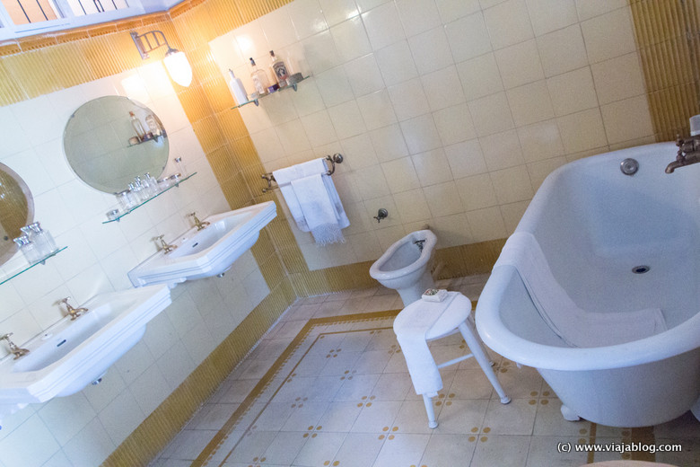 Cuarto de baño. Casa Masó, Gerona