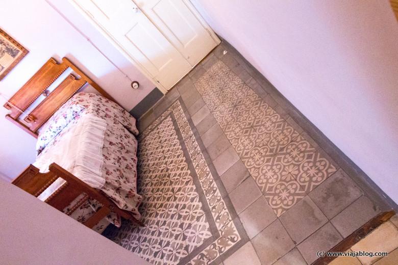 Baldosas del dormitorio de Paula, también diseño propio, Casa Masó, Gerona