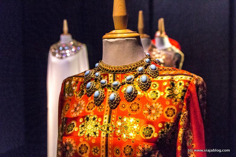 Detalle vestido Gala, Museo Castillo Gala Dali, Púbol (Gerona)