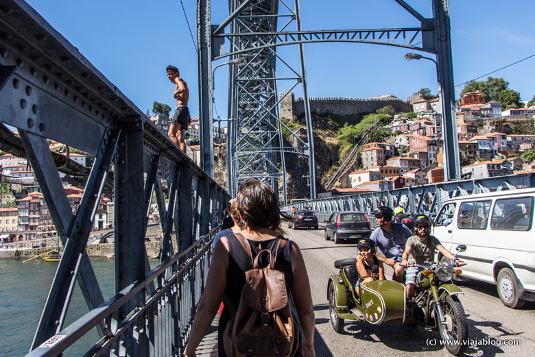 Saltador al Río Duero, Oporto, Portugal