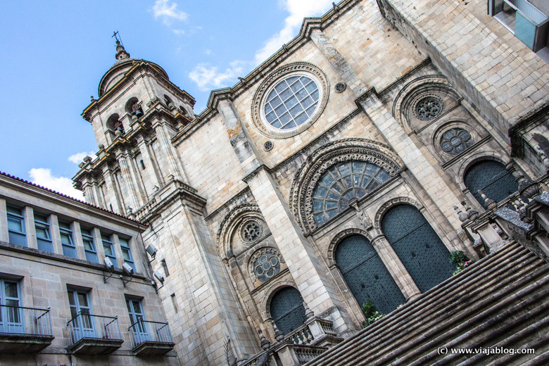 Puerta Oeste de la Catedral de Orense, Galicia