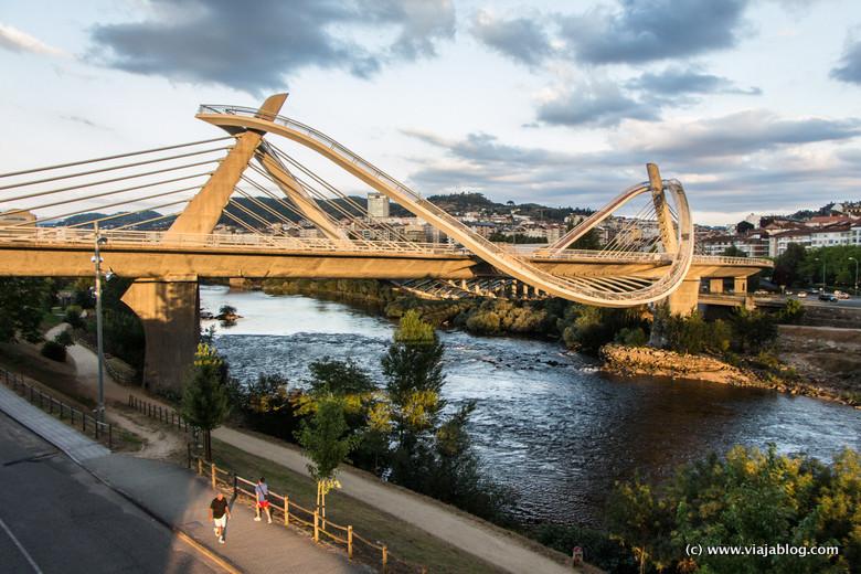 Puente del Milenio sobre el río Miño, Orense, Galicia