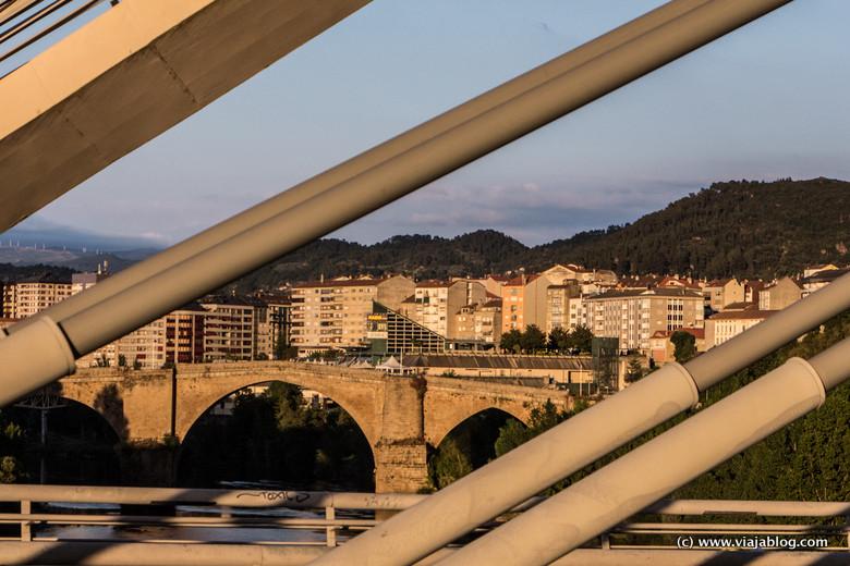 Puente Romano de Orense desde el Puente del Milenio, Galicia