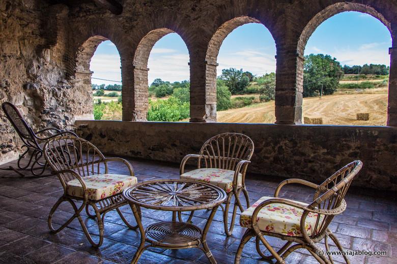 Terraza, Museo Castillo Gala Dali, Púbol (Gerona)