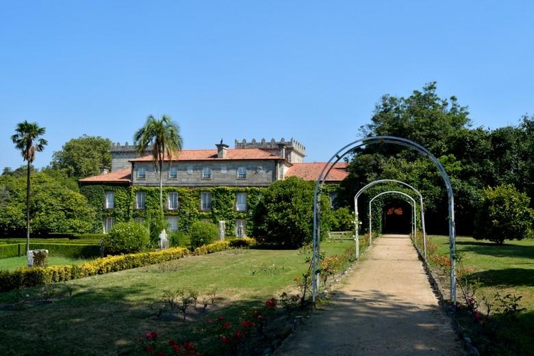 Vistas traseras al Pazo Museo Quiñones de León, Castrelos, Vigo, Galicia
