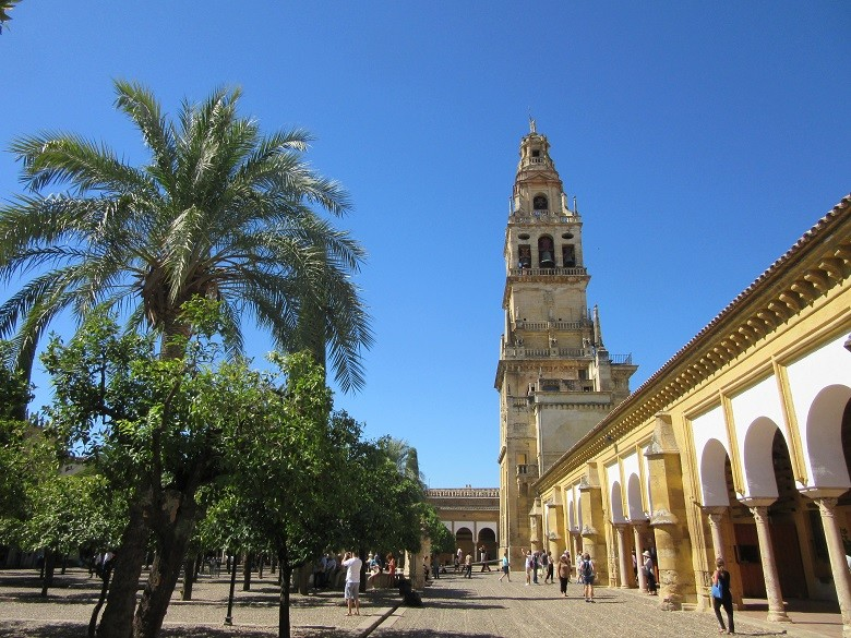 patio-mezquita-cordoba
