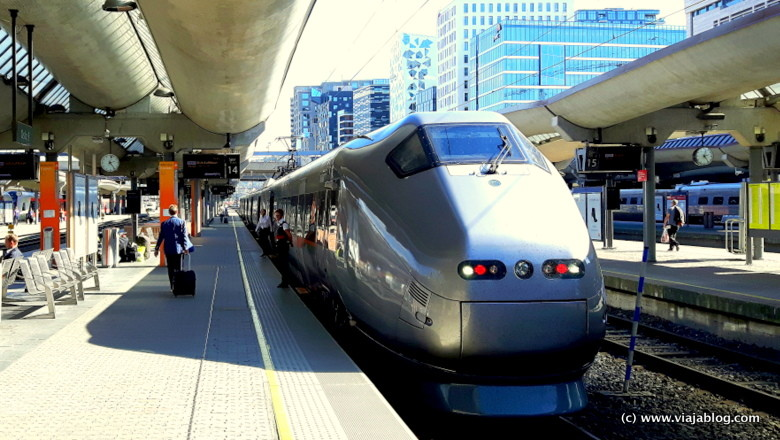 Flytoget tren expreso aeropuerto Oslo