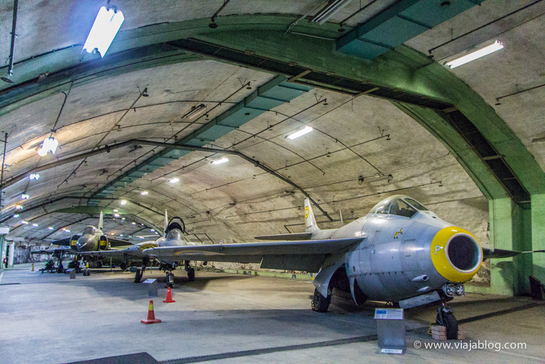 Aeroseum. Museo Aviación en un búnker subterraneo, Gotemburgo, Suecia