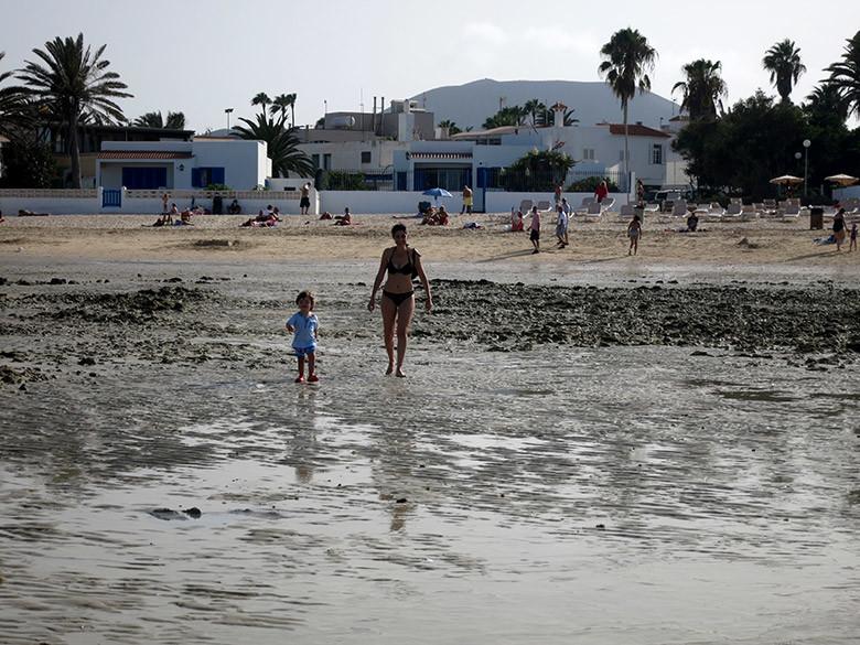 La marea baja permite disfrutar de otro estilo de playa