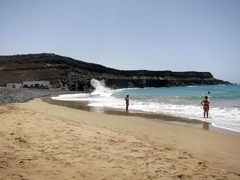 La solitaria playa del Puertito de los Molinos