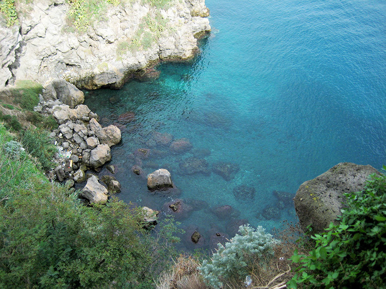 Aguas cristalinas en Lipari