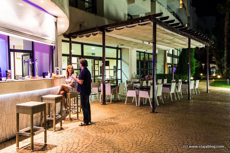 "Disfrutando el ""Ibiza Beach Bar"" del Hotel ADH Isla Cristina, Huelva"
