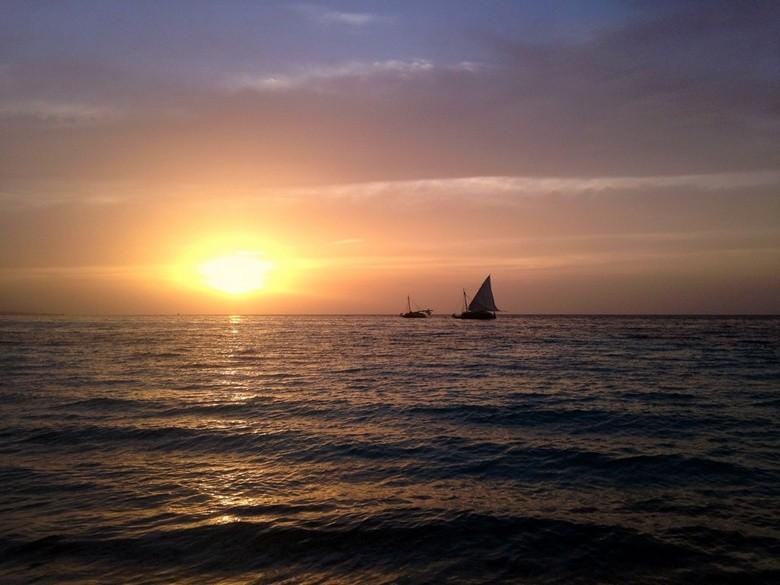 Puesta de sol en Kokoye Beach, Haiti,