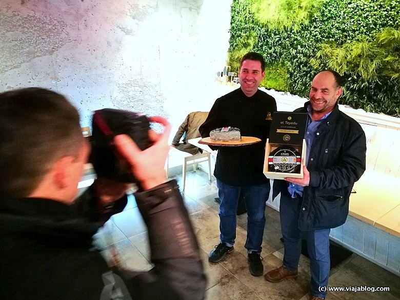 Roberto Aramburu (izq) de Exclusivas Aramburu y Pepe Bada (dch) de Quesería Arangas