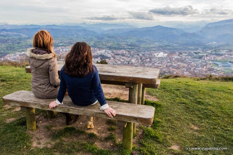 Vistas desde el Monte Naranco a Oviedo (Asturias)