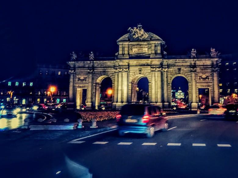 Puerta de Alcalá de noche, Madrid