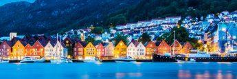 Vista panorámica de Bryggen en Bergen, Noruega
