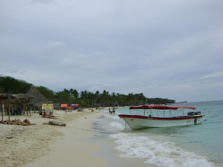 Playa de una de las islas del Rosario