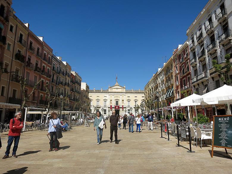 plaza font tarragona