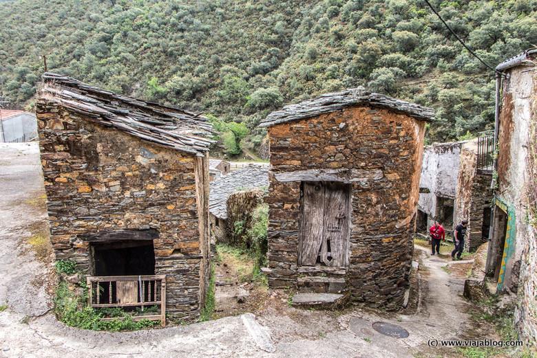 Casas de Pizarra, Riomalo de Arriba (Ladrllar). Las Hurdes, Cáceres, Extremadura