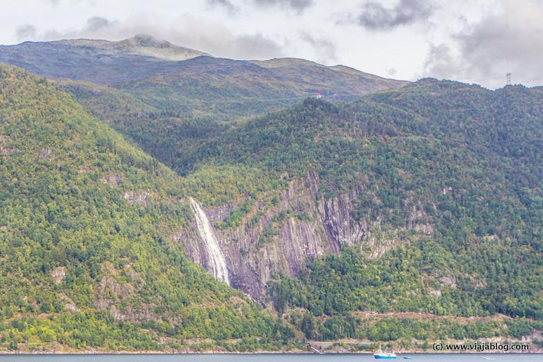 Catarata Fiordo de los Sueños Noruega