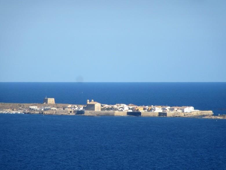 Isla de Tabarca desde lo alto de Gran Alacant