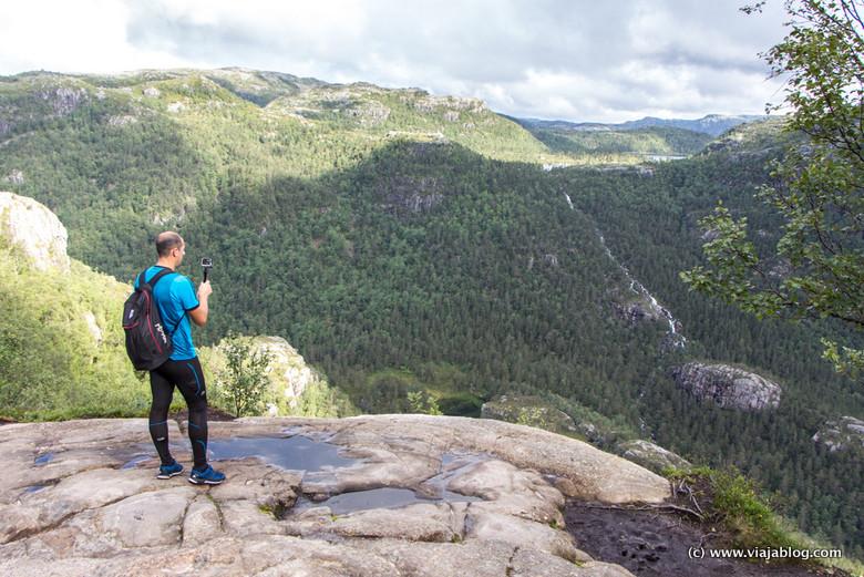 Paisajes en Fiordos Noruega, Ascensión Preikestolen