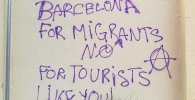 Pintada contra el turismo en Barcelona