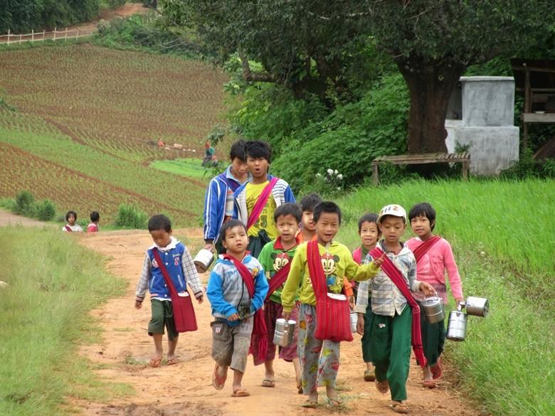 niños myanmar
