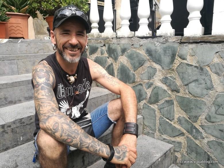 Chinky Guitarrista de Skuld durante Unirock Puerto de Vega
