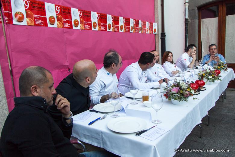Mesa del Jurado del Festival del Tomate de Huerta en Cangas del Narcea