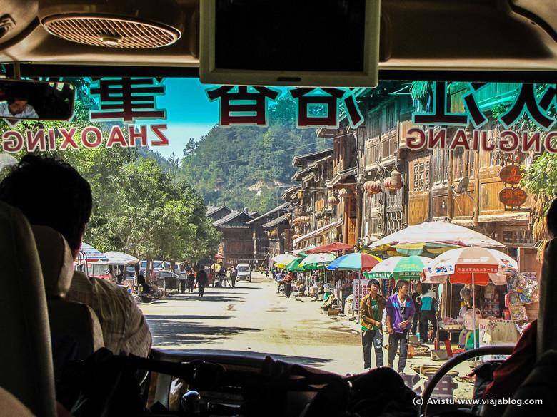Llegando en autobús a Zhaoxing, China