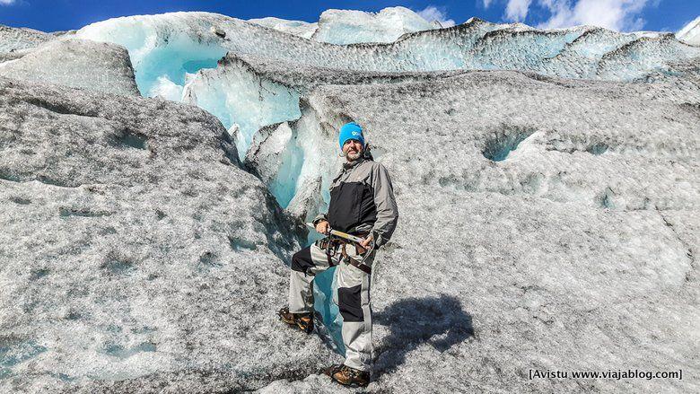 Con el piolet en el Glaciar Jostedalen (Noruega)