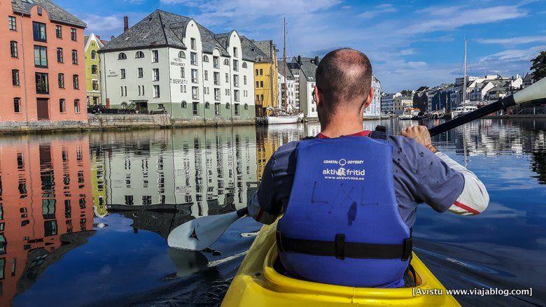 Kayak en Alesund, Noruega