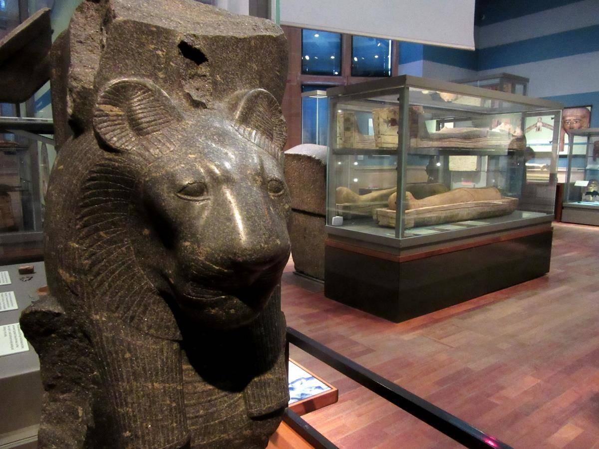 Arte egipcio en Kelvingrove museum glasgow
