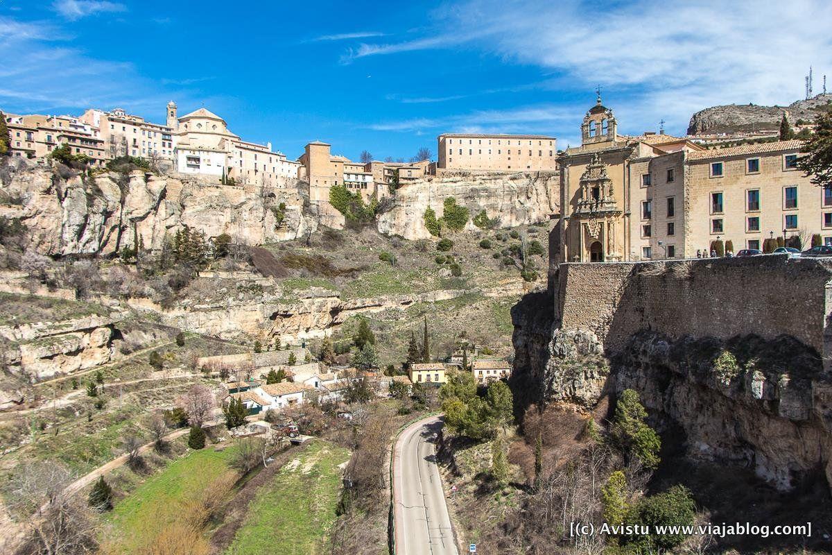 Parador de Cuenca sobre las Hoces del Río Huécar