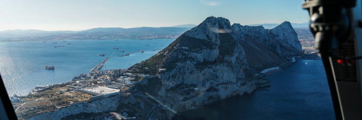 Gibraltar a la altura de la Roca: vídeo de un paseo en helicóptero en torno al Peñón