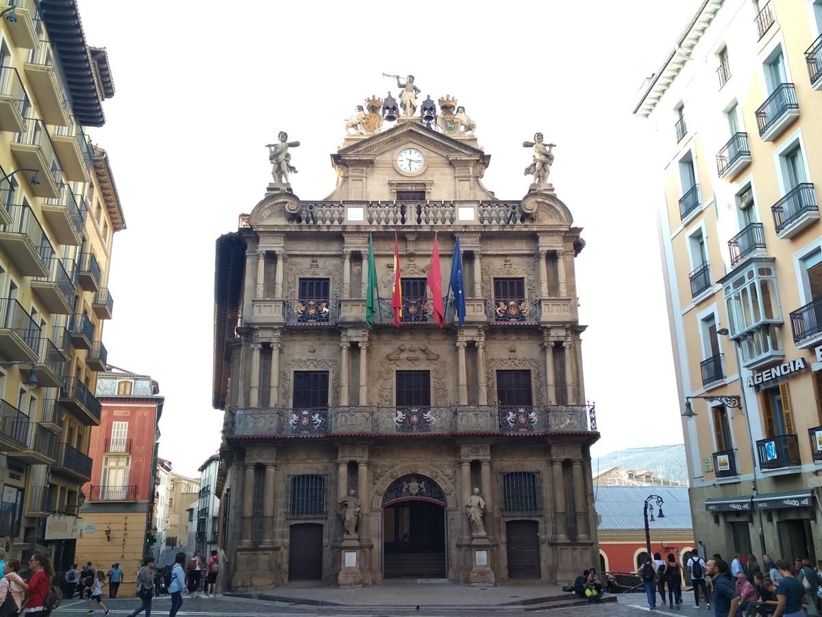 donde alojarse en Pamplona