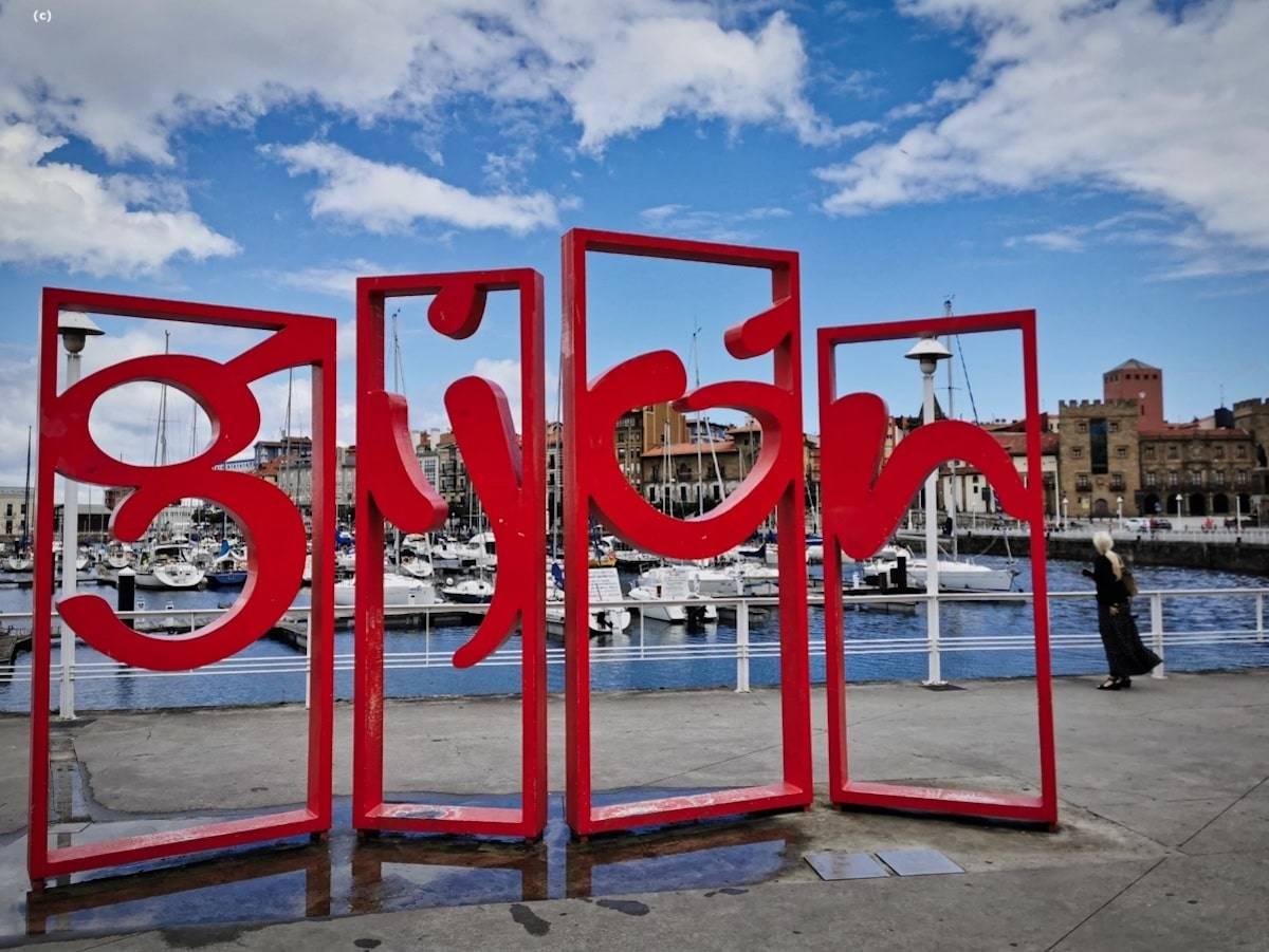 """""""Las letronas"""" (Gijón, Asturias)"""