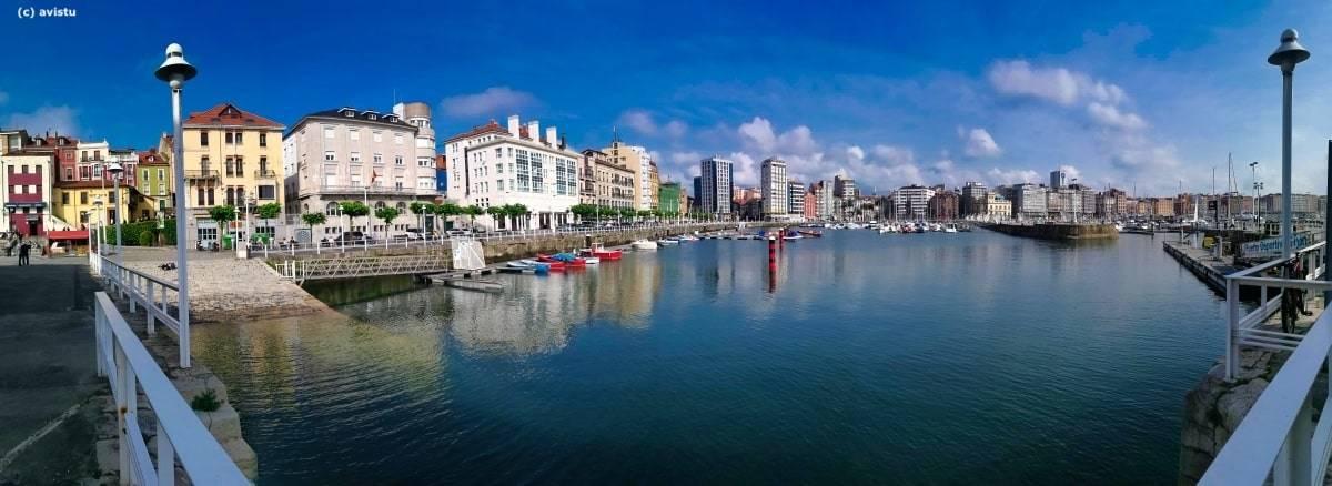 Panorámica del Puerto Deportivo de Gijón (Asturias)
