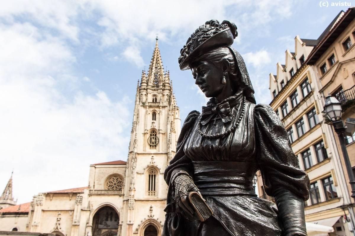 Estatua de La Regenta, Oviedo, Asturias