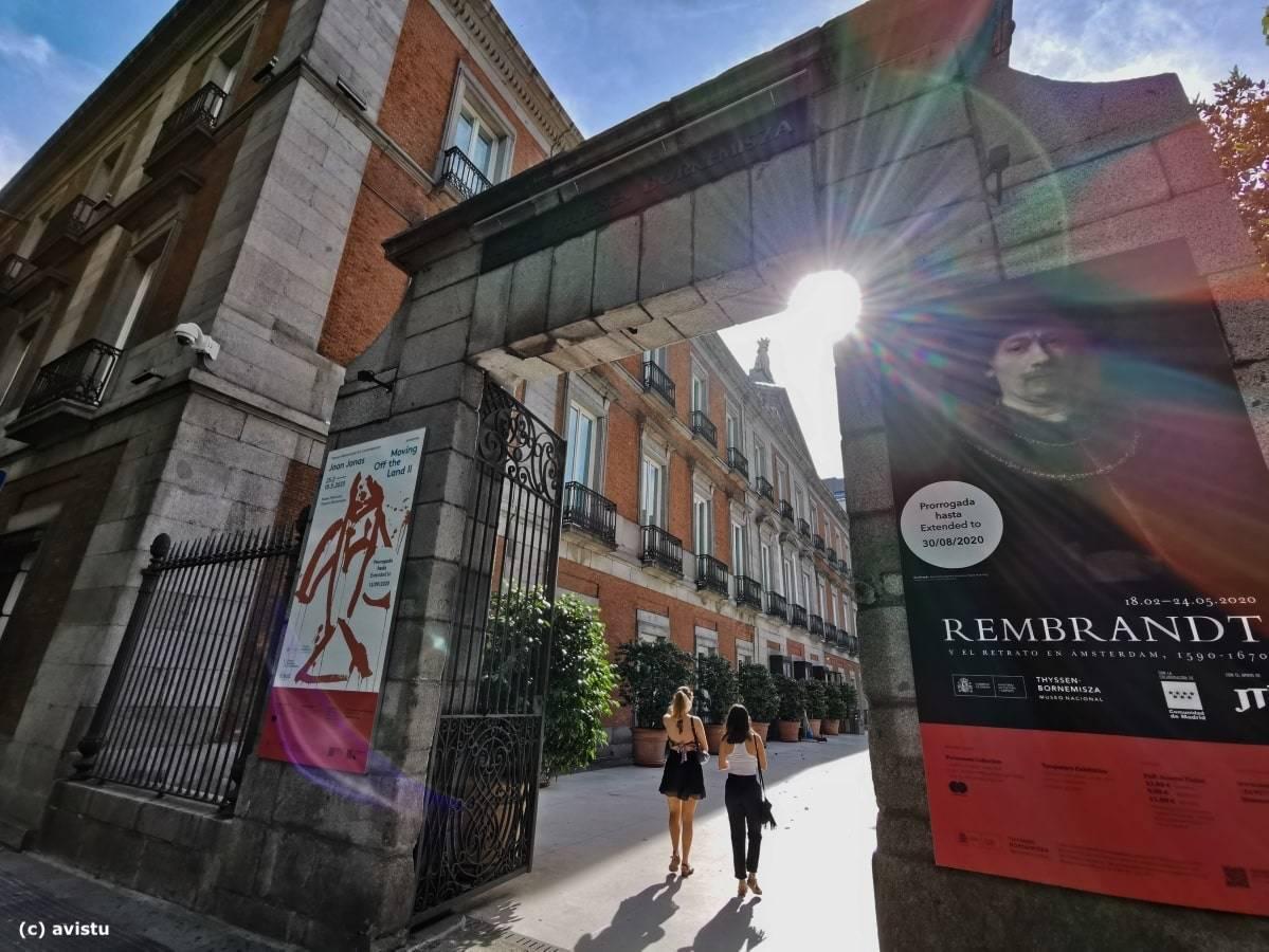 Entrada principal al Museo Thyssen Bornemisza en Madrid
