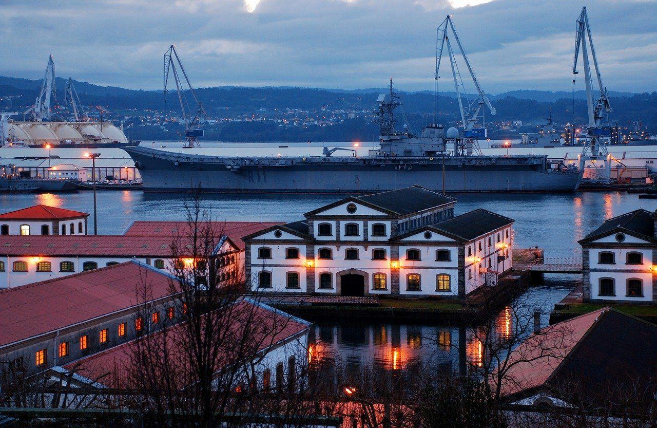 """Portaaviones """"Príncipe de Asturias"""" R11 en la Base Naval de Ferrol"""