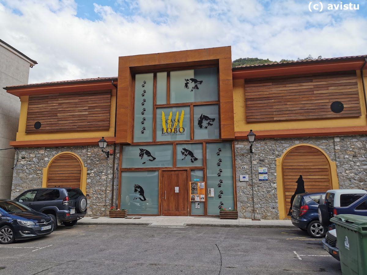 Exterior Casa del Lobo Belmonte Asturias