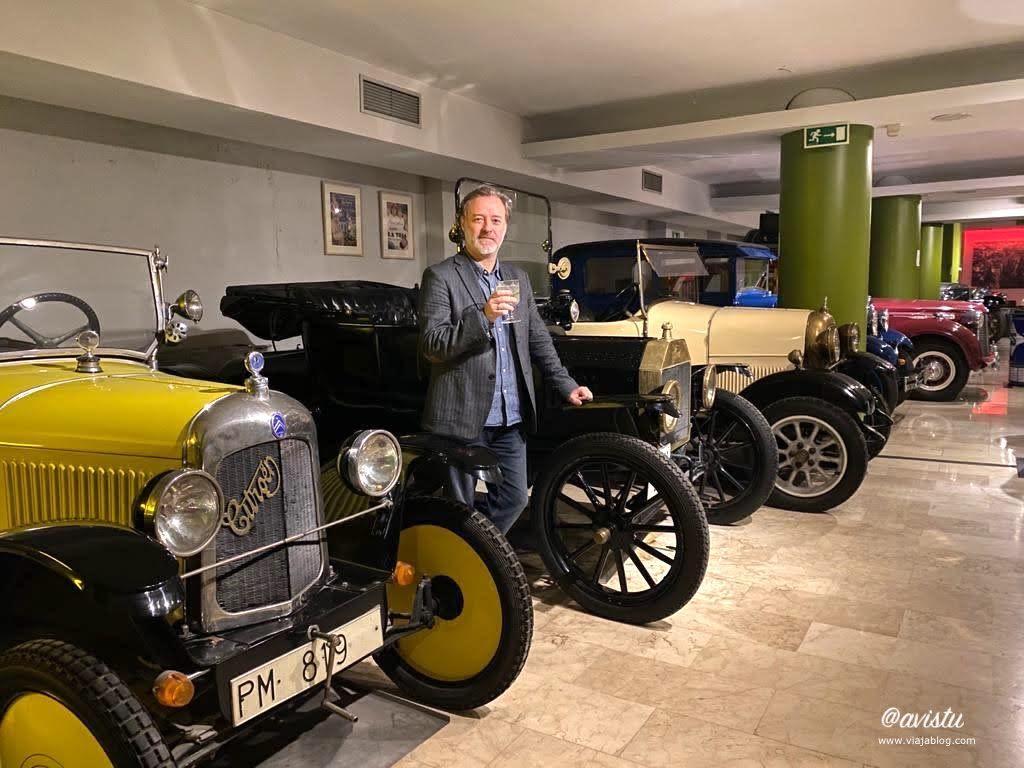 Colección coches clásicos Apartotel Sabatini