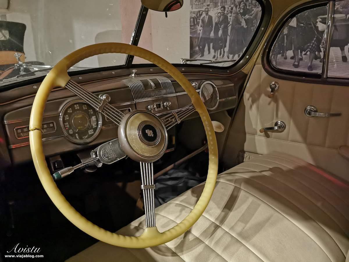 Interior Packard Super 8 Sedan Apartosuites Sabatini
