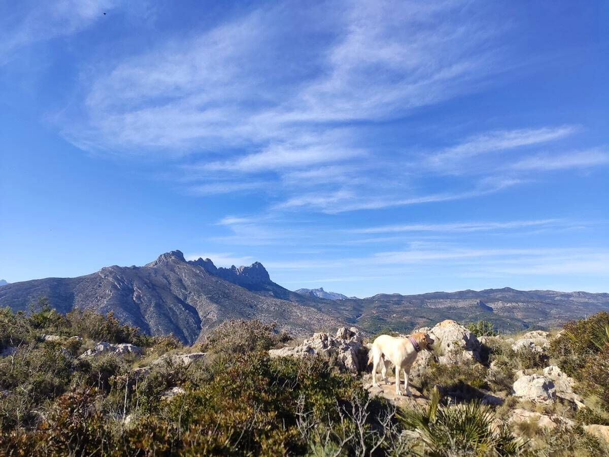 Vistas sierra de Bernia en la sierra de ortà
