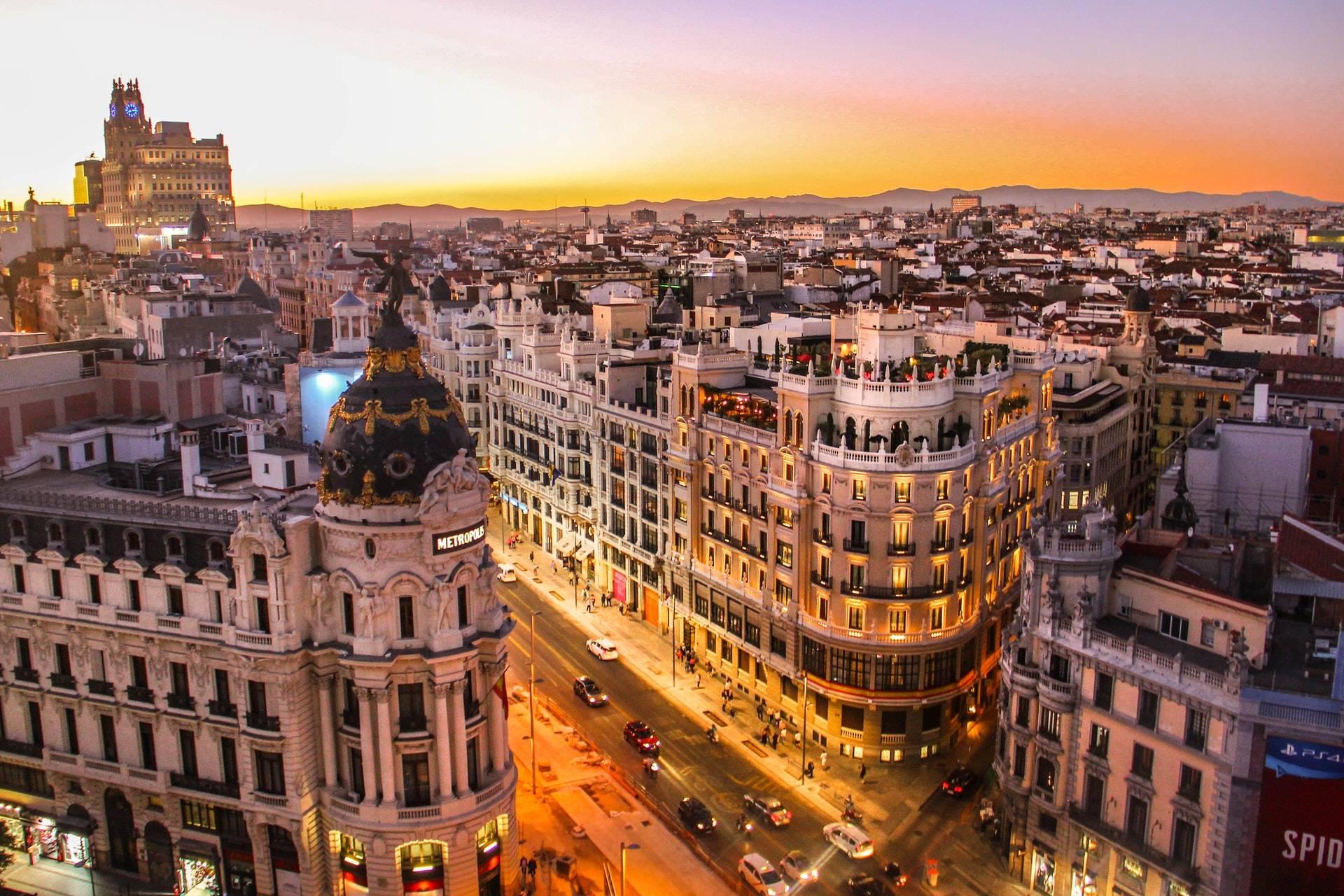 Gran Vía de Madrid desde Calle Alcalá