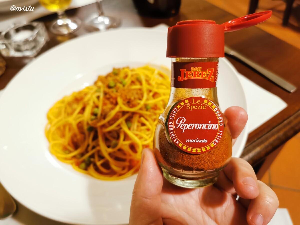 Peperoncino para añadir a la comida en Sicilia