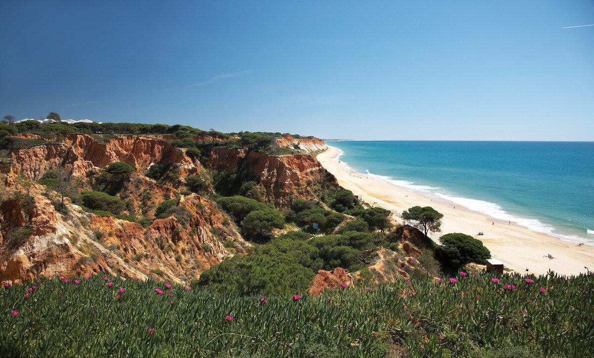 Playa de Falesia, Portugal
